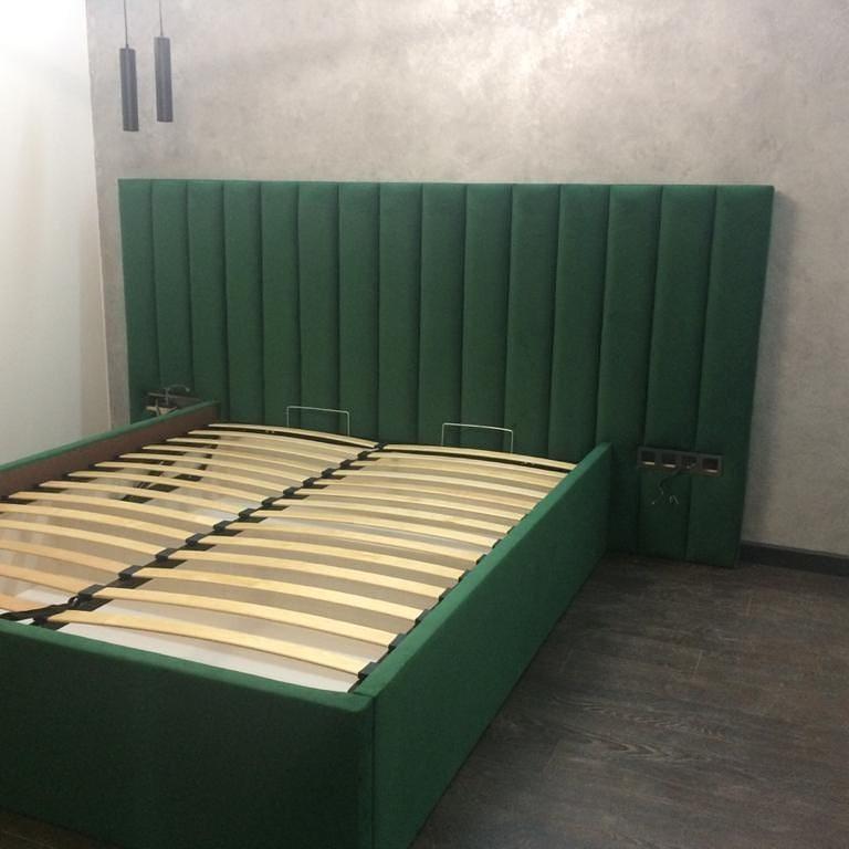 Кровати двухспальные с подъемным механизмом и ящиком для белья